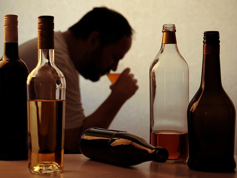 an analysis of the effects of alcoholism Alcohol (also known as ethanol) has a number of effects on health short-term  effects of alcohol consumption include intoxication and  a 2016 systematic  review and meta-analysis found that moderate ethanol consumption brought no.
