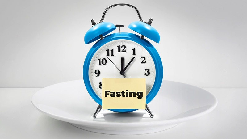 Intermittent Fasting: The Risks and Rewards