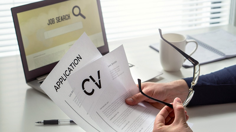 Powerful CVs and Cover Letters: How to Stand Out