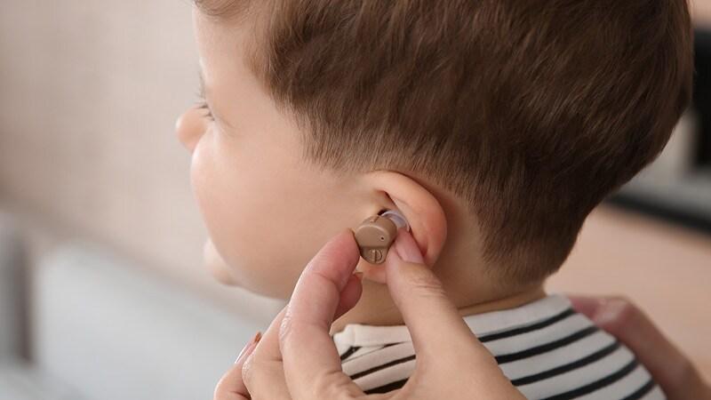 Socioeconomic Factors Delay Hearing Aids for Kids