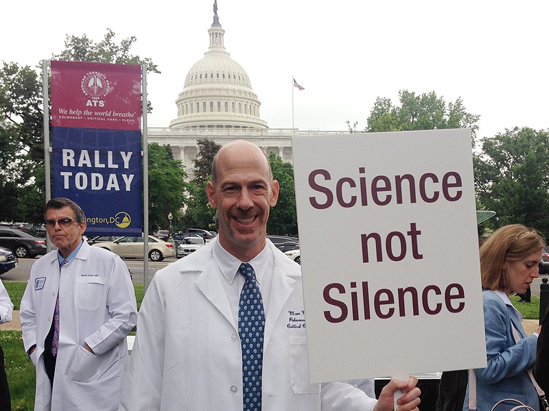 Physicians Depart From Conference to Rally on Capitol Hill