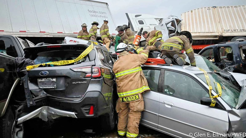 Nurse Pinned in Fatal Texas Pileup Climbs Out, Goes to Work thumbnail